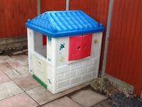 Childs Moby Plastic Wendy House for garden