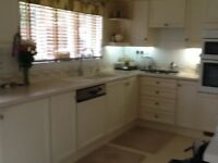 *******Fitted Kitchen Units, includes hob, extractor,sink, tap etc*****