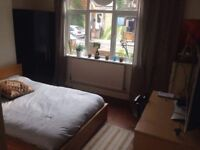 DOUBLE ROOM TO RENT COUPLES YES