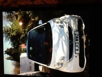 Smart car in white sat nav very good condition full history