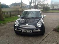 Black Mini Cooper 1.6 3dr petrolV