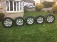 Land Rover 18 ins Alloys and All Terrain tyres almost New