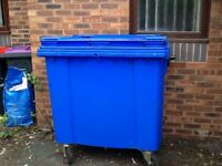 Kliko commercial dustbin on wheels 770 litres Blue Lid does not lock Collect from Madeley, Telford
