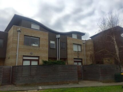 Oakleigh East - Double Story Town House - Room for Rent Sunshine Brimbank Area Preview