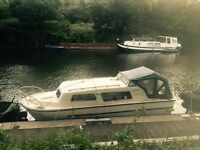 23ft norman cabin cruiser amazing inside and looks good outside as well