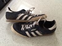 Pair Adidas samba trainers size 9 to clear