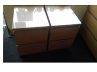 2 SOLID BEDSIDE DRAWERS VERY SOLID DESIGN THEY HAVE GLASS TOPPERS ON THEM £29.99 PAIR SIZE BELOW