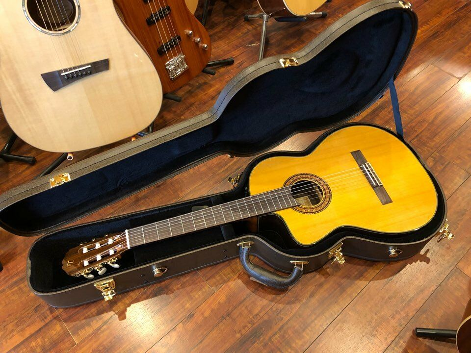 Takamine  TC132SC LH  Acoustic/Electric Guitar Left - Handed