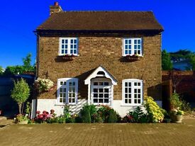 Stunning detached victorian cottage for sale in Harefield, London Borough of Hillingdon