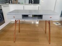 Cute Desk Perfect for Home Working!!