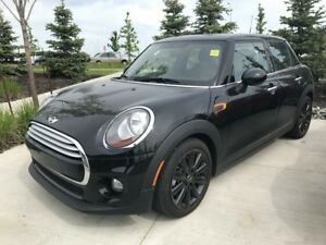 2015 Mini Cooper 5 Door - Manual Trans -low km