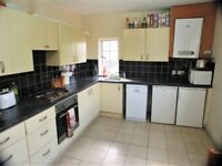 First floor 3 bedroom flat in Forest Gate dss with guarantor accepted