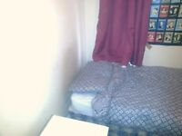 Single Room in a cosy house in Rusholme