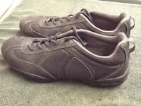 Regatta outdoor walking shoes size 8, £5
