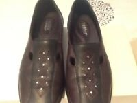 Ladies hotter shoes in near new condition size 5.5