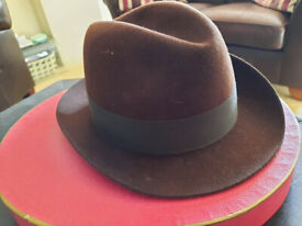 Dunn & Co. brown men's 'racing' hat - with original hat box