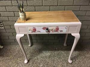Vintage Shabby Queen Anne Style Console Girl's Desk Table Lilli Pilli Sutherland Area Preview