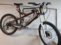 """SPECIALIZED """"Enduro"""" Carbon Frame Bike large frame"""