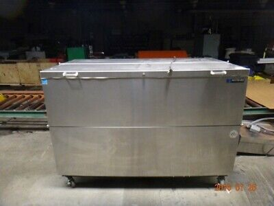 Master-bilt Refridgeerator Milk Cooler Omc-162ss 17.8 Cu. Ft R22 Refrigerant