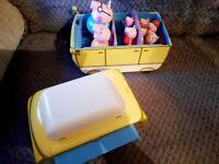 Peppa Pig Camper Van Set (9 figures) + Light Up figure.