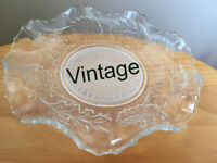 Beautiful vintage pressed glass, leaf design, fluted dish or bowl. Happy to post. £5 ovno.