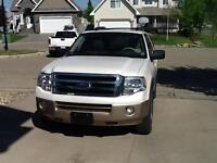 2011 Ford Expedition XLT  SUV  38,026 km