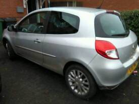 Chester - Silver Renault Clio Tom Tom dymanique 2011 1.1 39000k Mot August 2017, 1 Previous owner