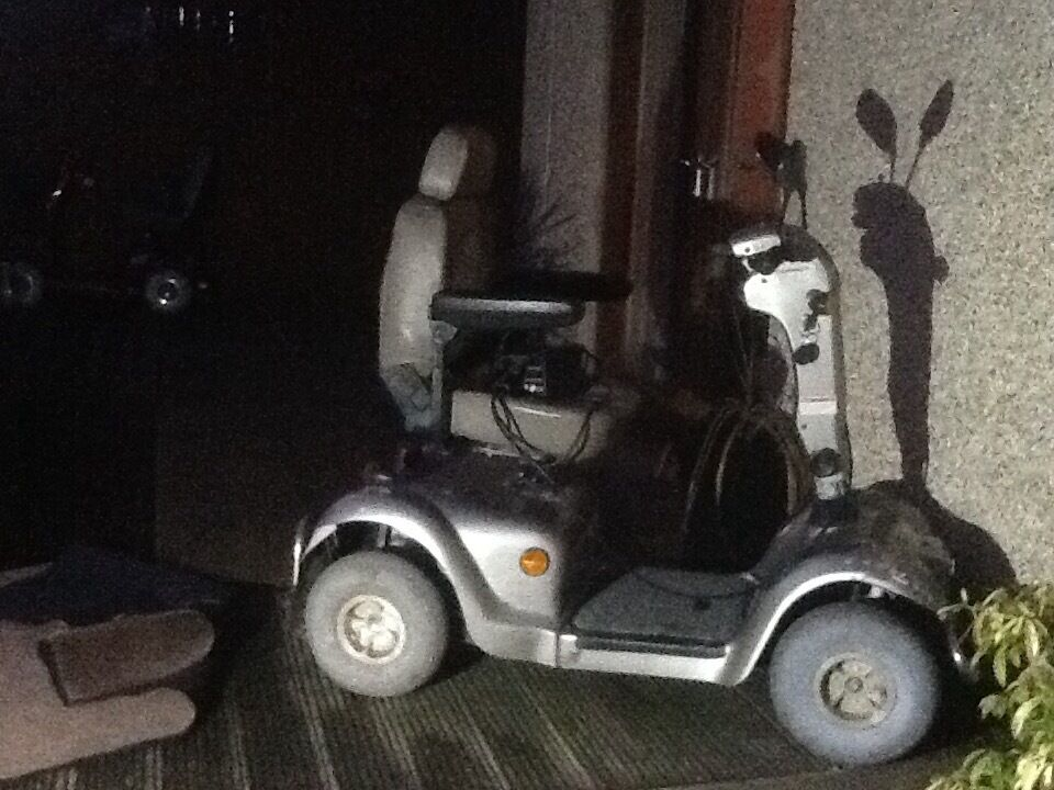 2 mobility scooters for sale in falkirk gumtree. Black Bedroom Furniture Sets. Home Design Ideas