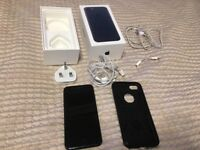 iPhone 7 Black 128GB UNLOCKED, FULLY WORKING, BOXED + accessories