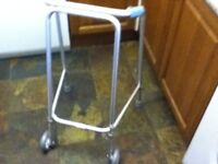 ZIMMER FRAME WALKING AID WITH WHEELS
