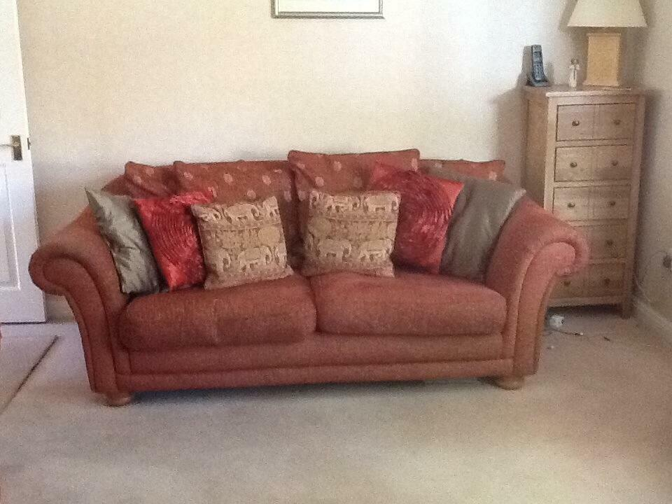 Ducal 3 Piece Suite 2 Large Sofas And 1 Chair With 15