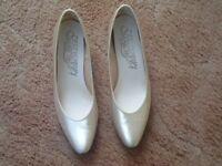 Ladies satin shoes