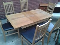 quality extending dining table with 6 chairs £95