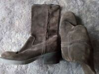 Womens Wrangler Brown Suede Boots Size UK5/38