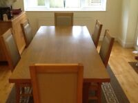Oak effort Dining Table and 6 chairs