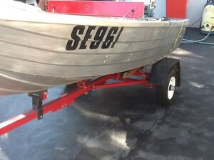 TINNY. Folding Trailer . Evinrude 6HP  Great OUTFIT . Mordialloc Kingston Area Preview