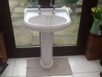 Victorian-style Barrhead Kintyre white sink with taps