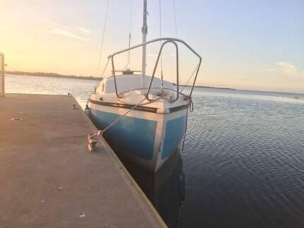 Northwind 550 Trailer Sailer Yacht