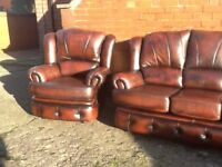 ANTIQUE BROWN LEATHER CHESTERFIELD STYLE 3 PIECE SUITE WITH RECLINING CHAIR CAN DELIVER