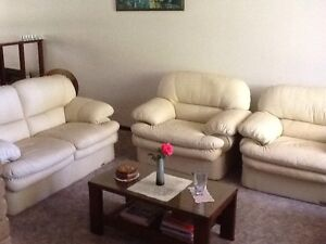 Leather Lounge Suite Alexander Heights Wanneroo Area Preview