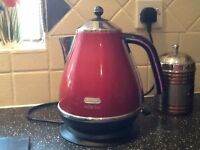 DeLonghi kettle.