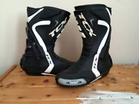 Motorcycle, bike boots, barely worn, great condition, uk size 8 (euro 41)
