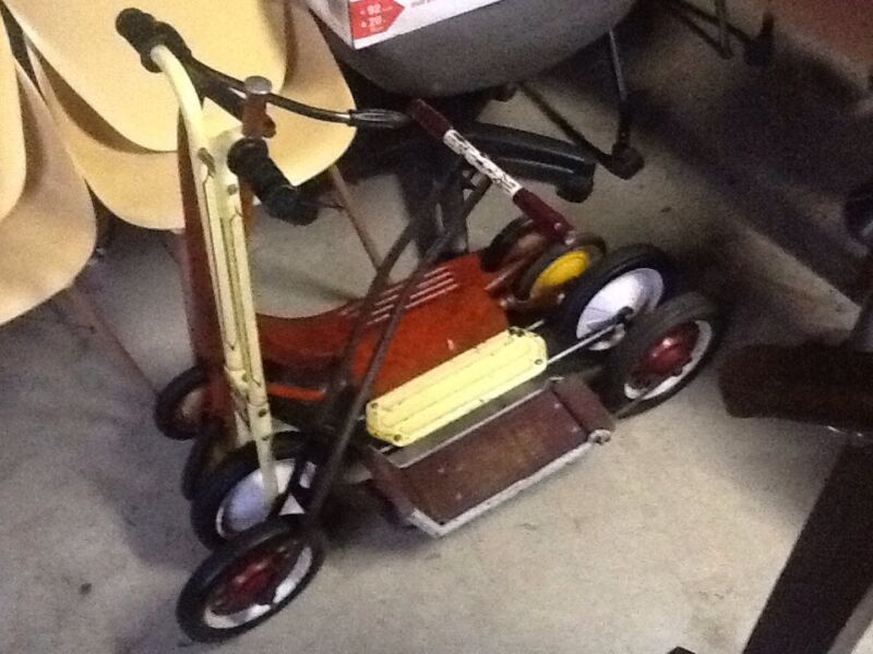 Lot Of 4 Vtg Push Kick Scooters - Flip Seat / Audio Flyer 2 Included - Very Good