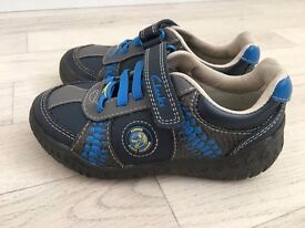 clarks boys infant shoes size 8,5 G Brand New