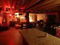 Double room in 9 bedroom warehouse in Seven Sisters, round the corner from Fountayne Road