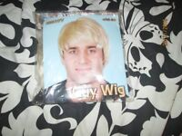 MENS SHORT BLONDE FANCY DRESS WIG FRED FROM SCOOBY DOO GREAT FOR PARTY OR STAG DO