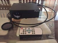 High Quality Full Colour TV Projector & Remote (£70 value)