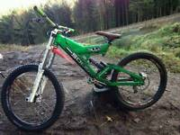 Solid dh bike