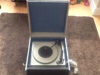 Vintage tones ta viva record player