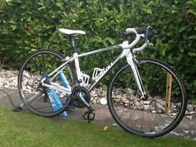 XS Giant Avail Alux Road Bike Womens specific. Excellent Condition